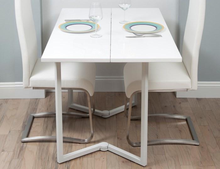 Интересная модель обеденного смарт-стола.