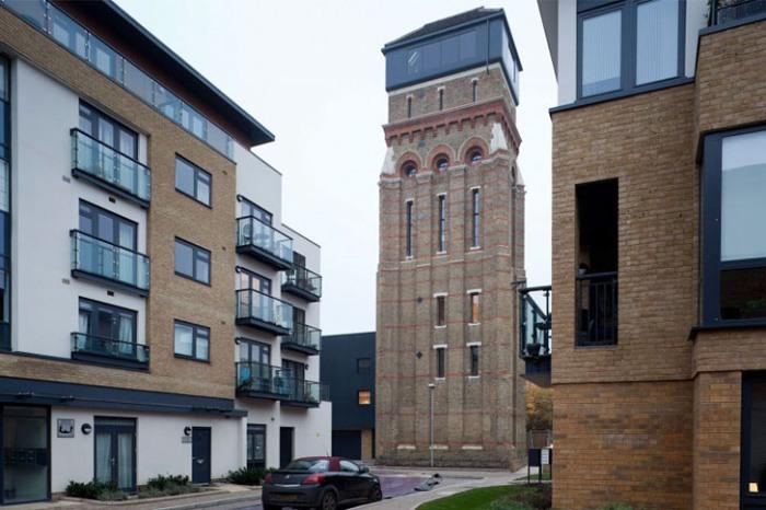 В городах появились новые архитектурные шедевры, практически не имеющие окон (Англия).