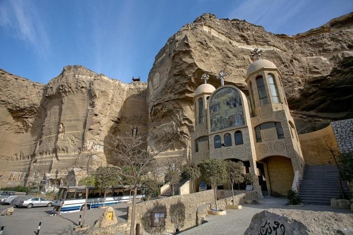 Пещерный храм Св. Симеона – христианская жемчужина Каира с необыкновенной историей (Египет). | Фото: travel.mthai.com.