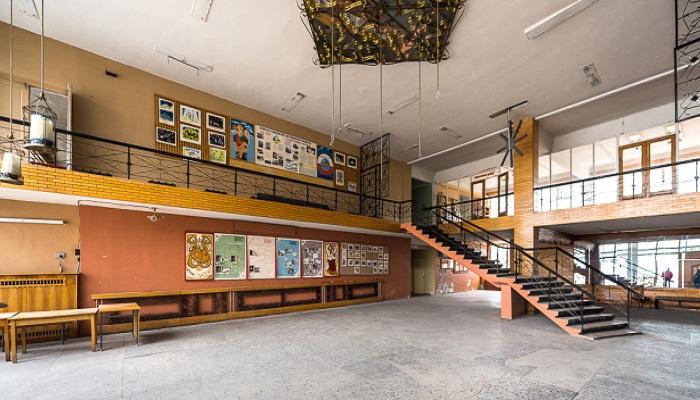 Дом культуры в поселке Пирамида (Архипелаг Шпицберген).
