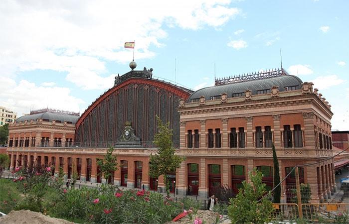 Центральный железнодорожный вокзал Мадрида (Испания).