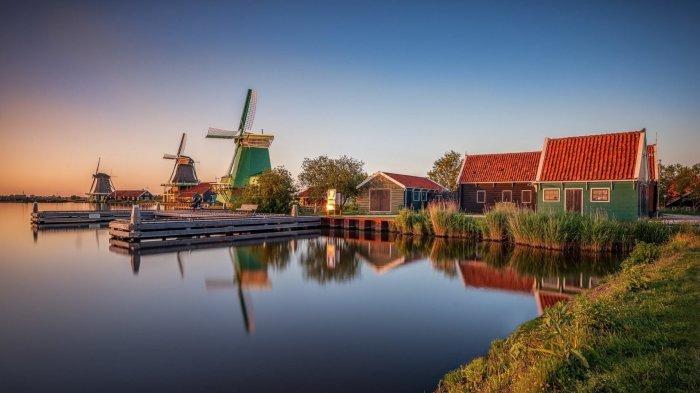 Голландия находится пугающе ниже уровня моря. / Фото: fishki.net