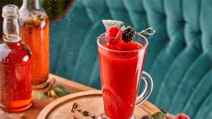 Ягодные напитки быстро согревают. / Фото: 100dorog.ru
