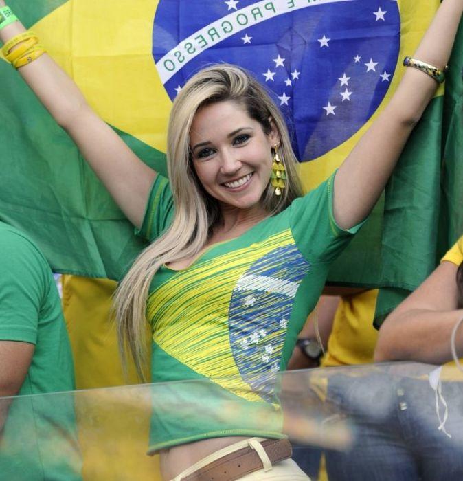 Бразильянки сплошь перекрашиваются в блонд. / Фото: eastnews.ru