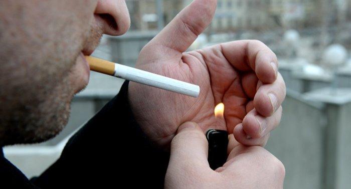 Вредные привычки - залог проигрыша в борьбе с отеками. / Источник фото: sputnik-georgia.com