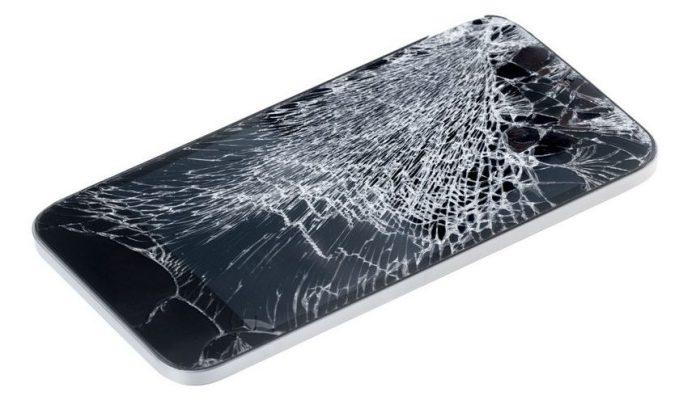 Почему вы считаете, что ваш смартфон обязательно разобьётся? / Фото: expert.com.ua/