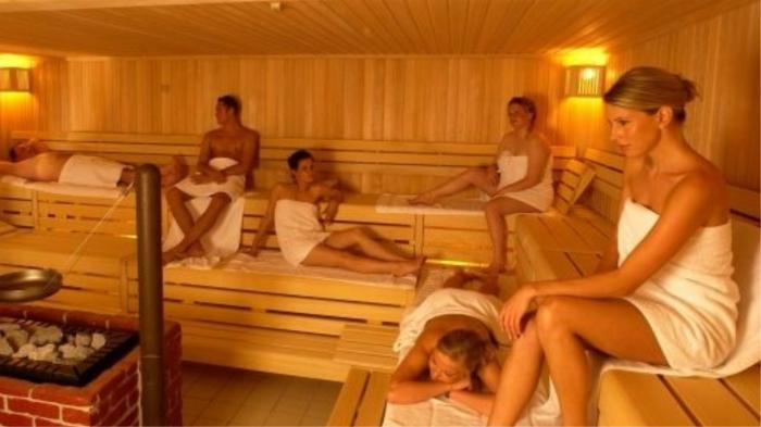 Cауна полезна для сосудов и кожи. / Фото: sibloma.ru