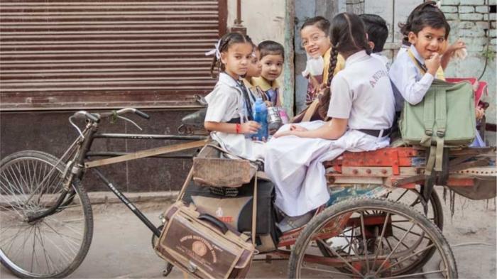 Школьники Индии. / Фото: hipstamama.ru