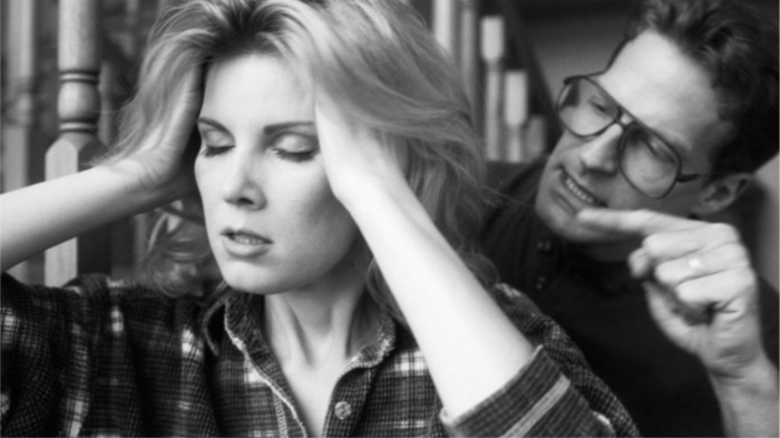 Один из самых страшных типов психологического насилия в семье. / Фото: flytothesky.ru