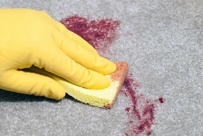 Пеноочиститель может творить чудеса. / Фото: billionnews.ru