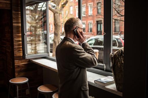 Да я тут кофе жду, жена берёт... / Фото: weareart.ru