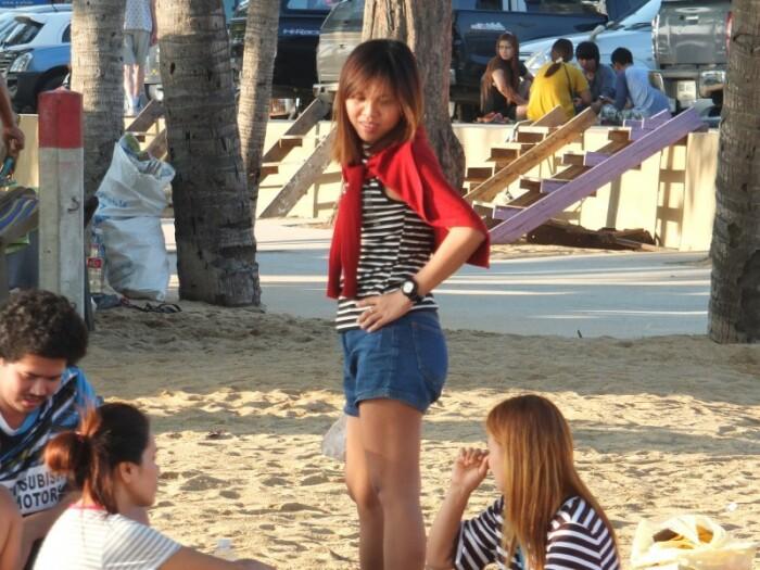 Типичная тайка на пляже. / Фото: svalitoday.livejournal.com