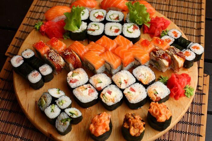 Есть много диет на базе суши! / Фото: vyborok.com