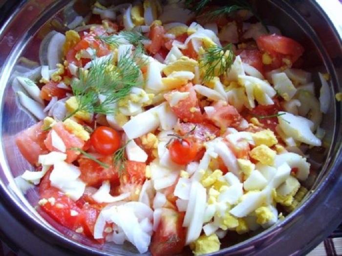 Сытный салат. / Фото: tvcook.ru