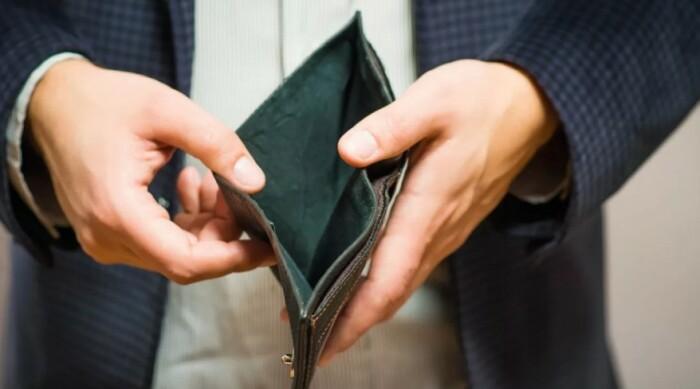 Пока так, но пенсия будет отличная, я же госслужащий!!! / Фото: la-advokat.ru