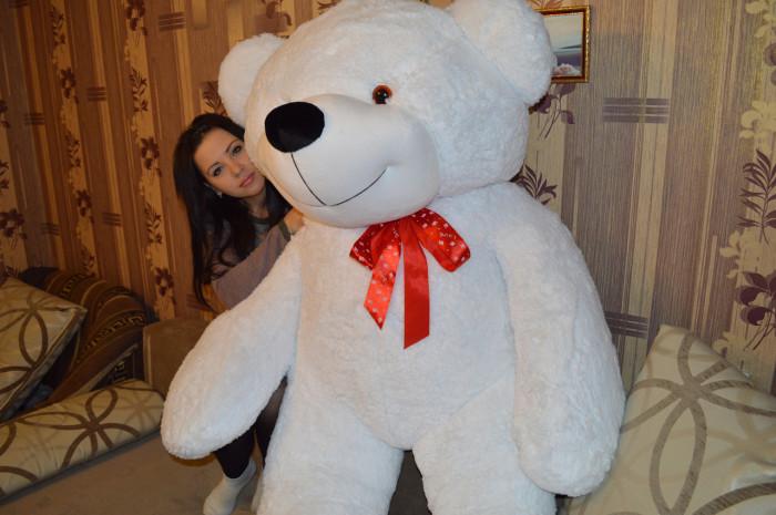 За таким медведем можно и самому спрятаться.