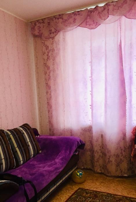 Детская комната со шторой в пол .