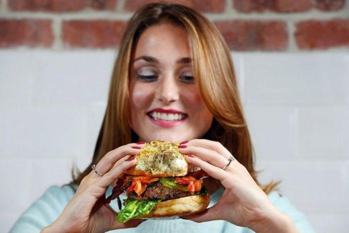 Нет, мы не доживем до тех времен, когда сендвичи и бургеры станут невредными. / Источник фото: dlyakota.ru