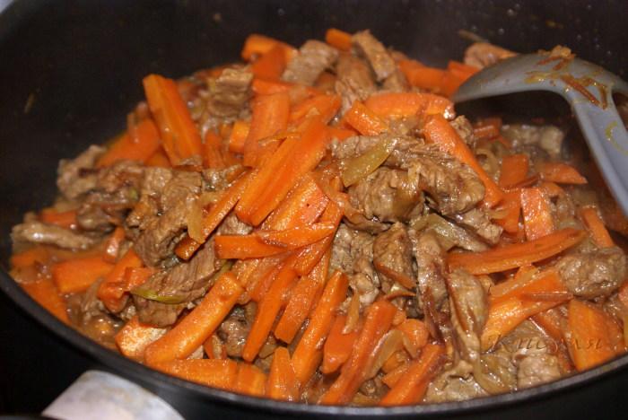 Я вас спасу. Подпись  - морковь. / Фото: greenbook2012.wordpress.com