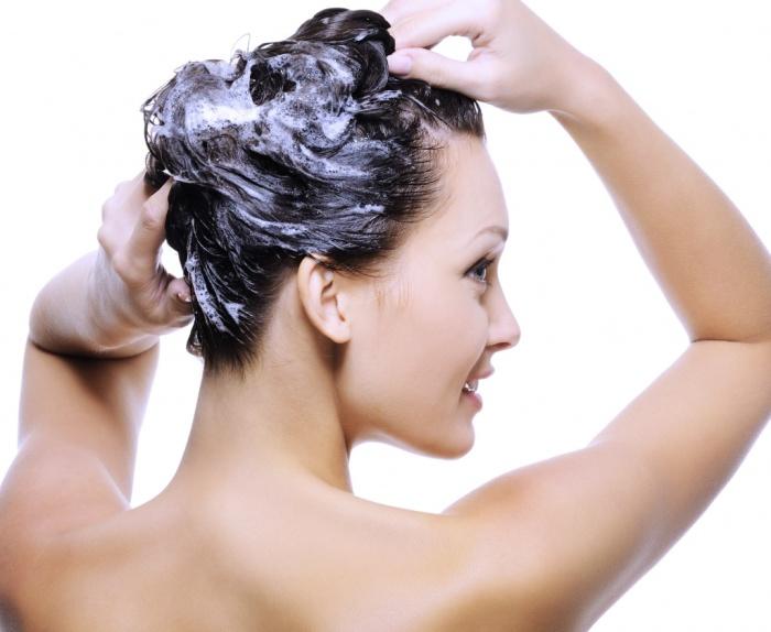В течение нескольких минут ЛЮБОЙ шампунь удалит жировые отложения на коже головы.