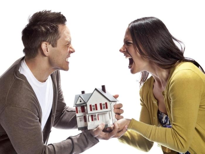 Развод - это баталия, когда есть что делить. / Фото: mygazeta.com