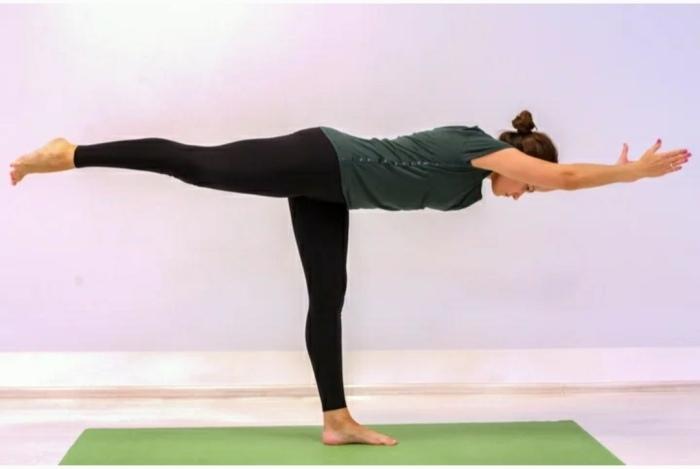 Самый простой баланс. / Фото: vita-yoga.ru