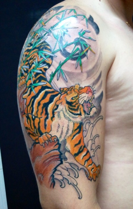 Ориентал с тигром.