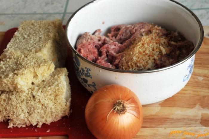 Из всего этого получится еще один отличный гамбургер! / Источник фото: yum-yum-yum.ru