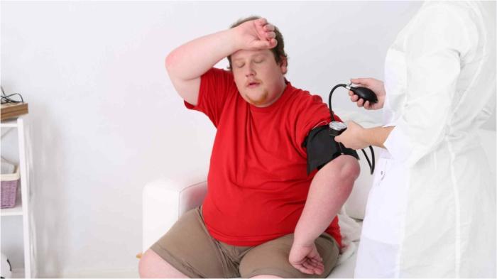 Избыточный вес – провокатор артериальной гипертензии.