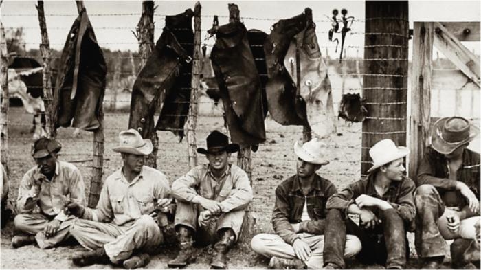 Ещё полтора века назад джинсы были вполне тривиальной одеждой золотоискателей и заключённых.