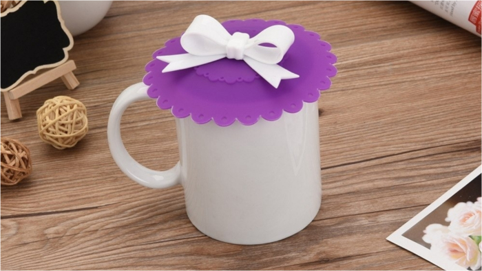 Крышечка для чашки из силикона – полезный аксессуар.