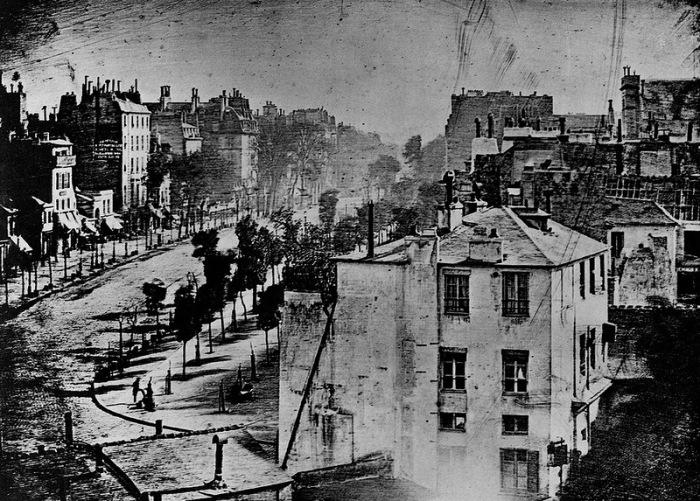 Первый снимок Парижа с бульваром дю Тампль, 1838 год. | Фото: Википедия.