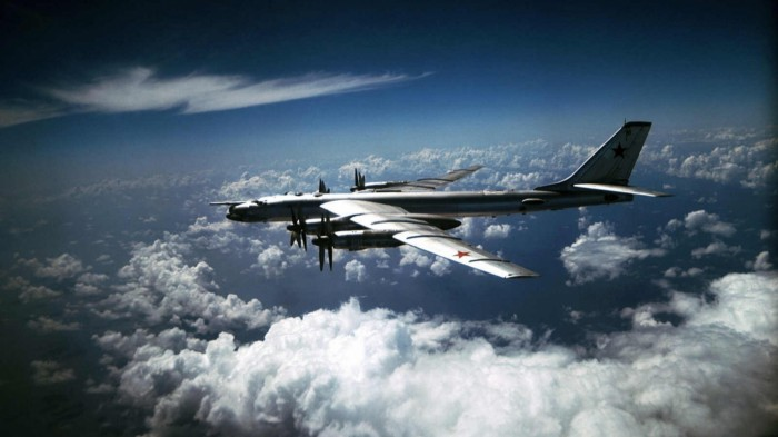 Бомбардировщик ТУ-95.