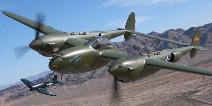 Американский истребитель Р-38.