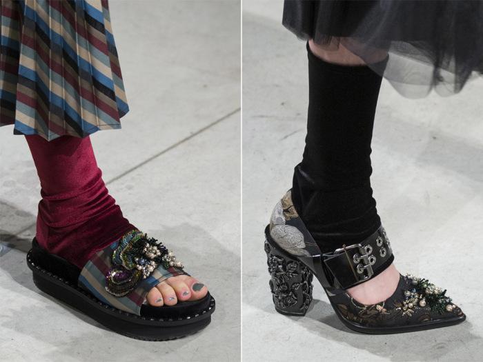 Сандалии с носками. | Фото: ModaDama.