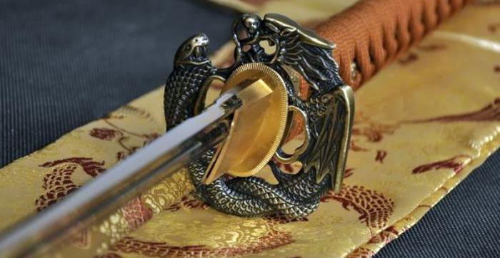 Производство самурайского меча — настоящее искусство.