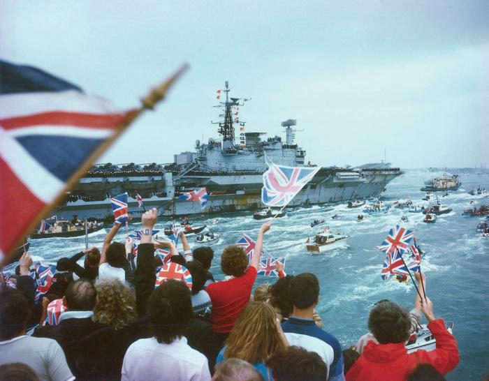 Возвращение британских солдат с войны.