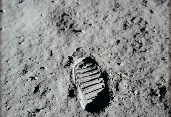 След на лунной поверхности. | Фото: militaryarms.ru.