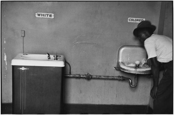 Последние отголоски рассового неравенства в США.