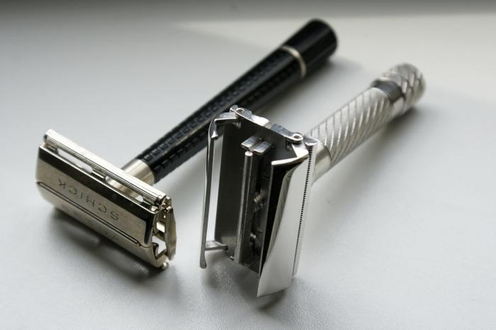 Одна из первых безопасных бритв Gillette.