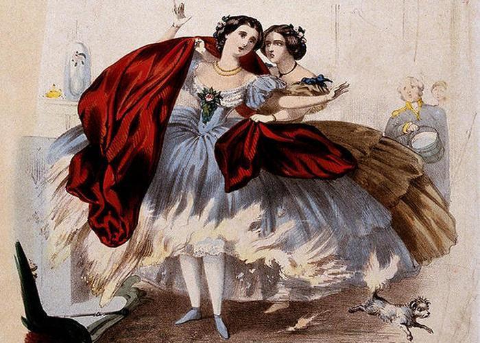 Хлопковые платья часто возгорались.