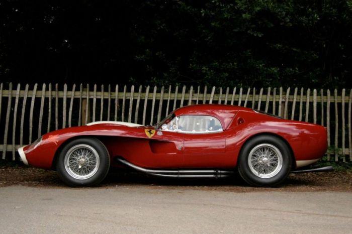 250 Testa Rossa 1956 года. | Фото: Pinterest.