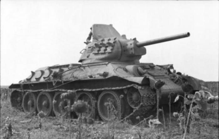 Траки на Т-34. | Фото: karopka.ru.