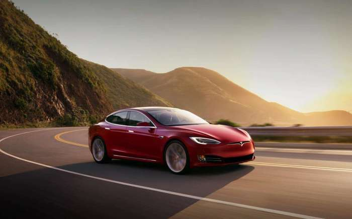 Автомобиль Tesla| Фото: Tesla.com.
