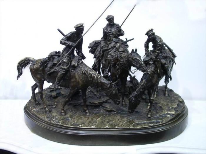 Чугунные статуэтки. | Фото: hornews.com.