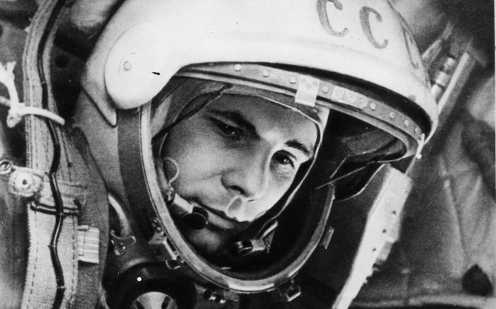 Та самя легендарная фотография Гагарина перед взлетом. | Фото: 29ru.net.