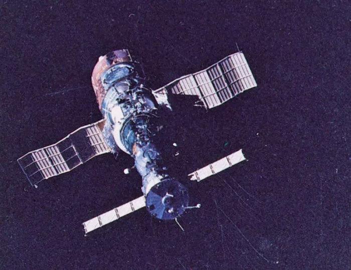 «Салют-1». | Фото: vpk.name.