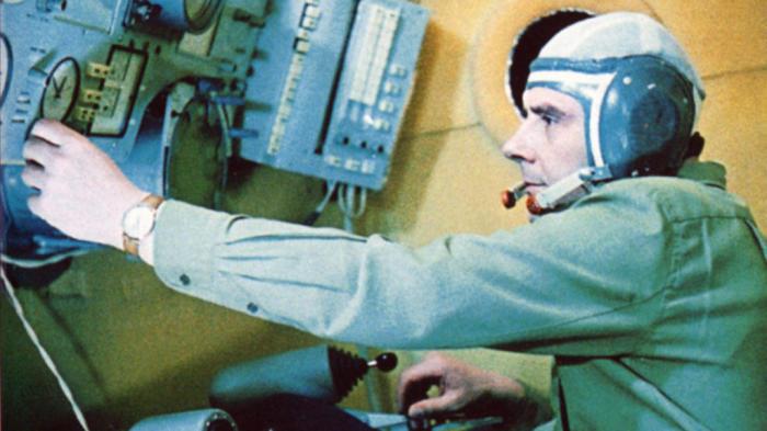 Владимир Комаров во время тренировки. | Фото: dni.ru.
