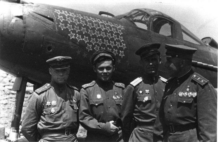 Первое время премии платили только военным летчикам| Фото: Ribalych.ru.