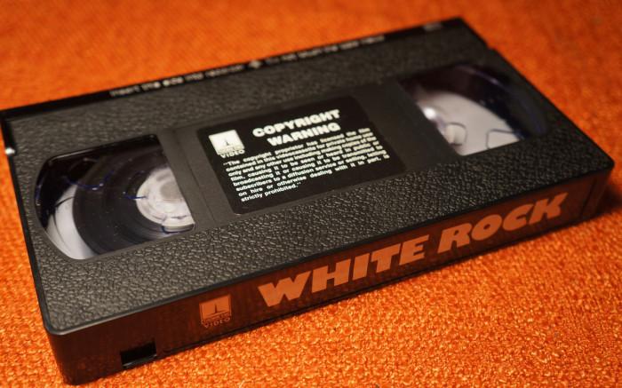Белая скала - один из первых записанный фильмов на кассету VHS| Фото: Frankly Collectible.